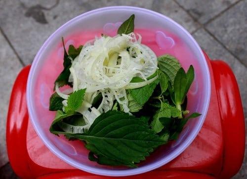Bánh đúc nộm Hà Nội