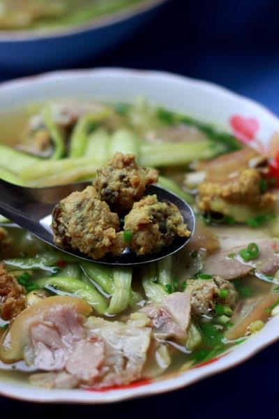 Bữa sáng ngon với bún bung phố Phạm Ngọc Thạch