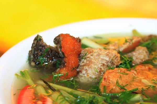 Bún cá ngon rẻ trong hẻm nhỏ Sài Gòn