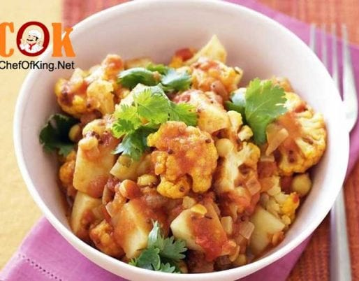 cauliflower-potato-chickpea-curry