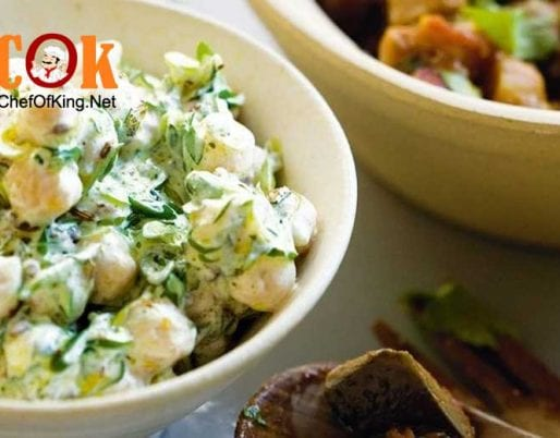 chickpea-salad-yoghurt-dressing
